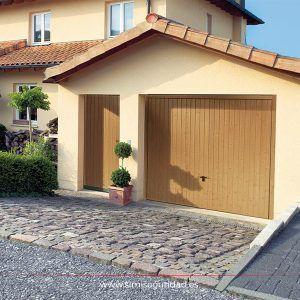 Puerta garaje basculante de madera